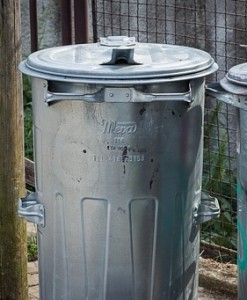 Metal trash can faraday cage